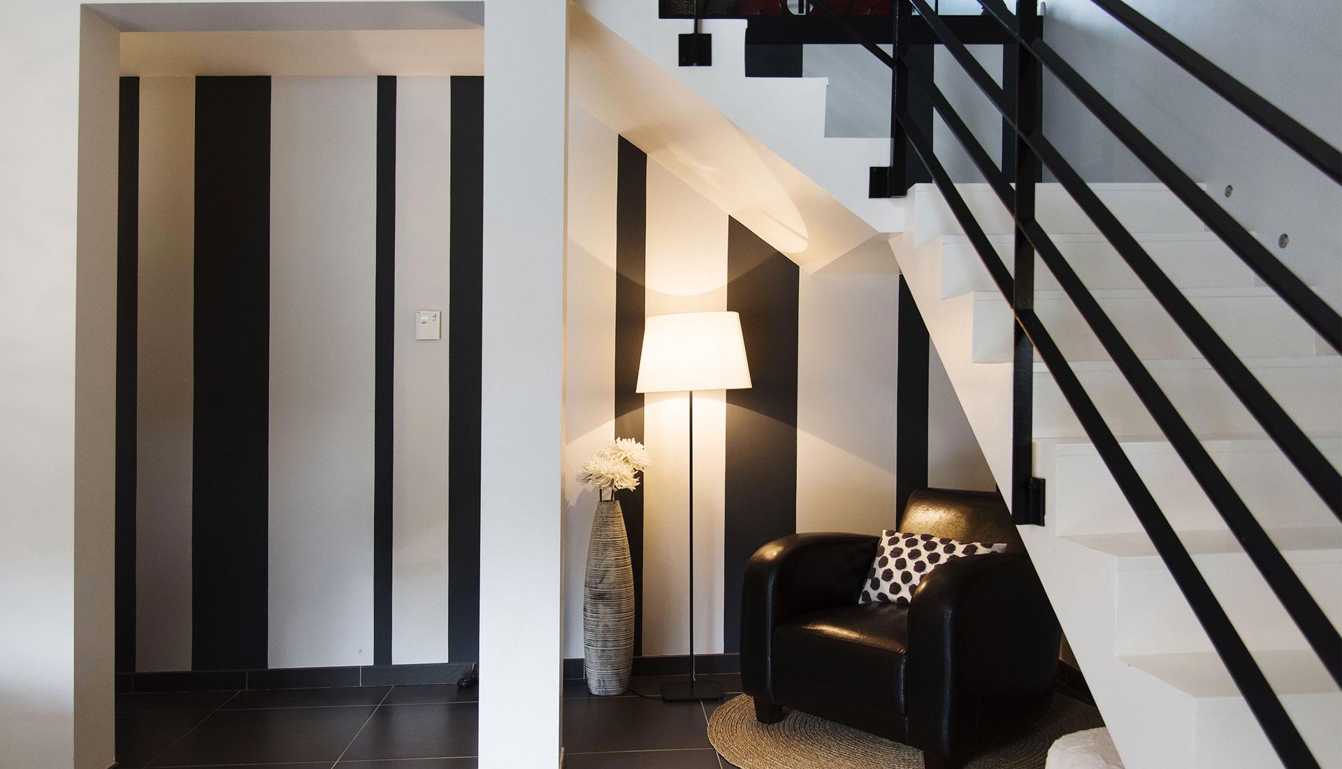peinture mur et escalier redon couleurs mati res. Black Bedroom Furniture Sets. Home Design Ideas