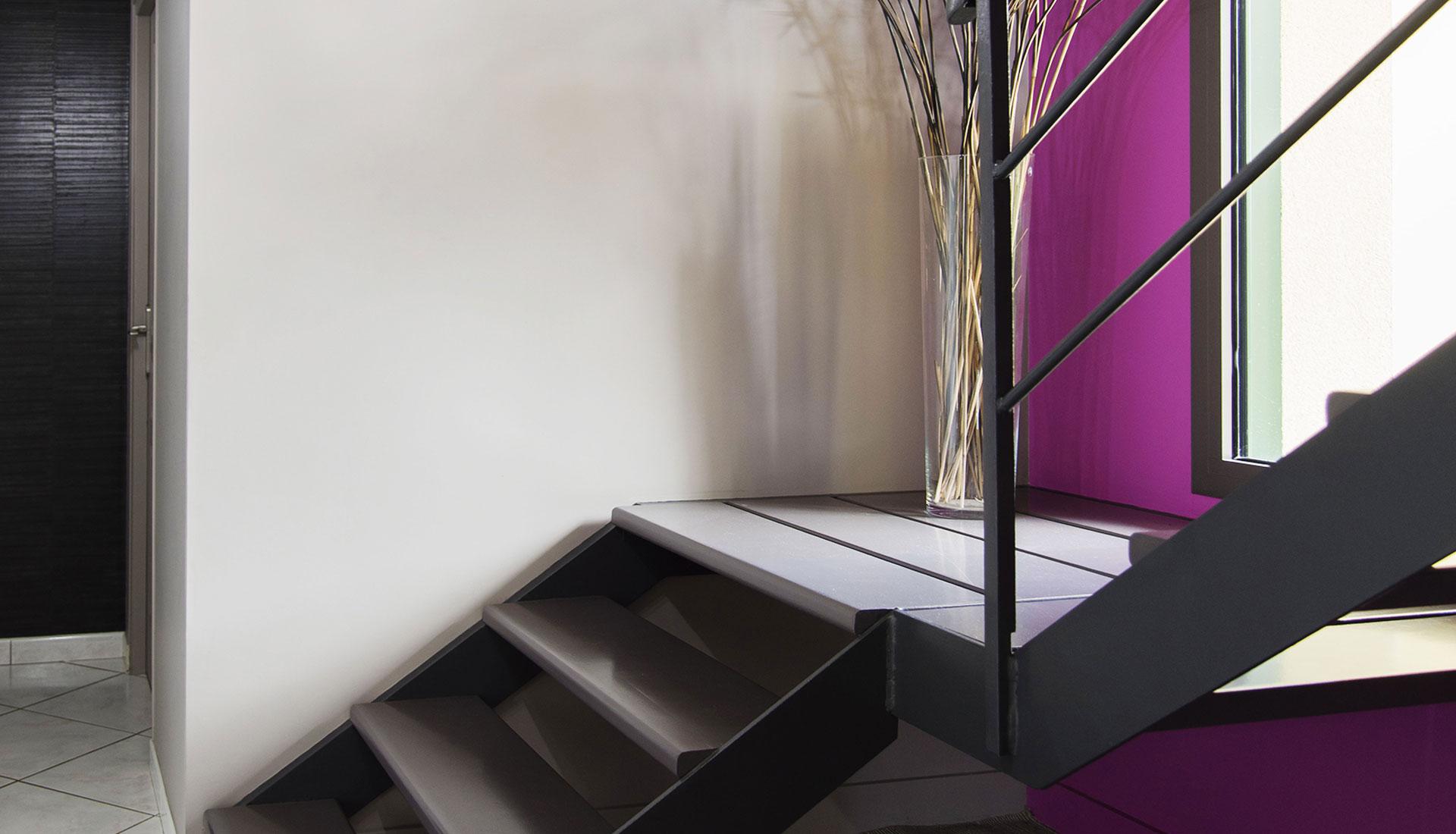 peinture mur et escalier allaire couleurs mati res. Black Bedroom Furniture Sets. Home Design Ideas